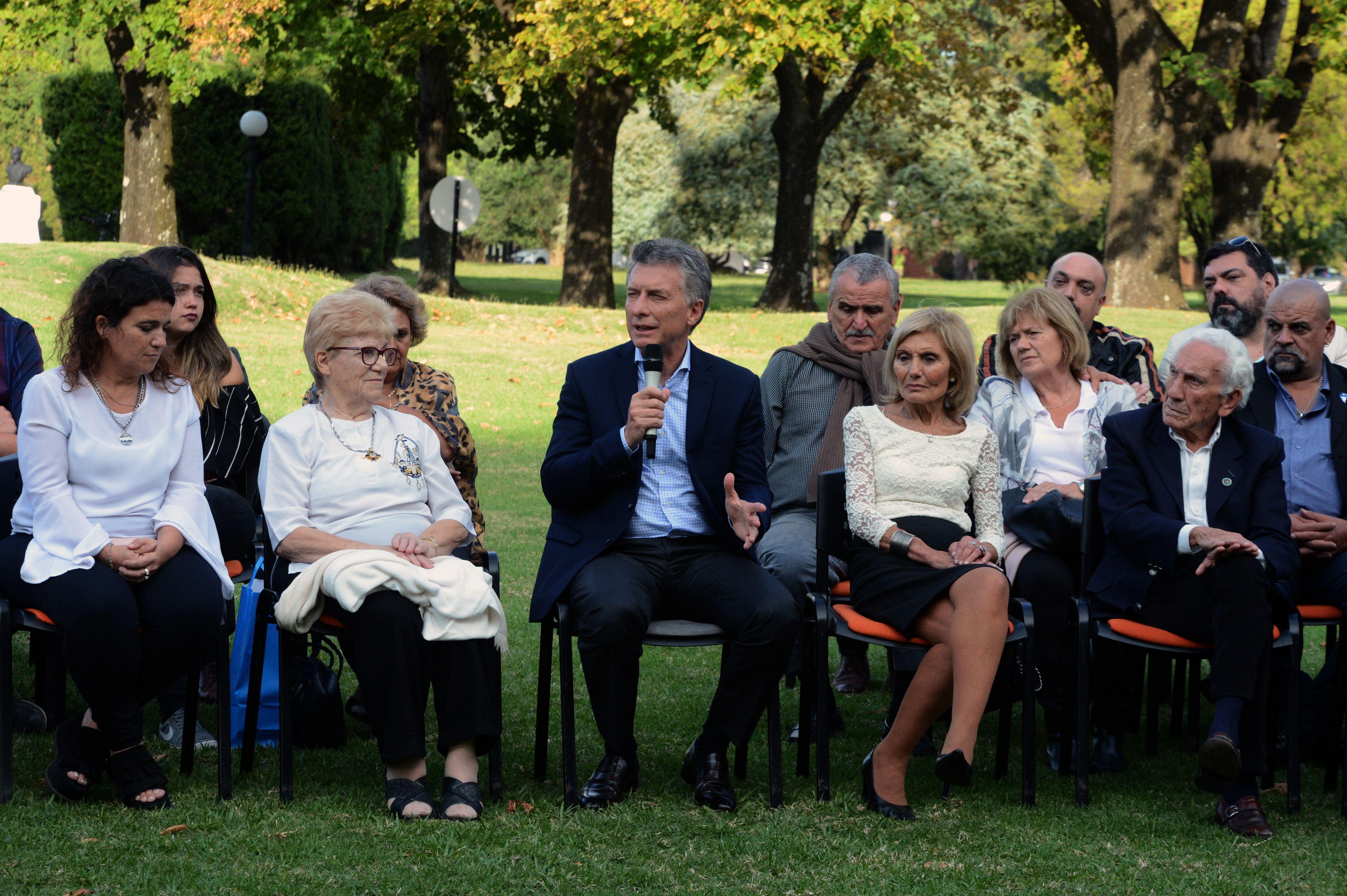 Macri con familiares de caídos y ex combatientes de Malvinas