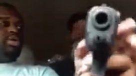VIDEO: Jugaba con un arma y terminó disparando a un amigo en la cabeza