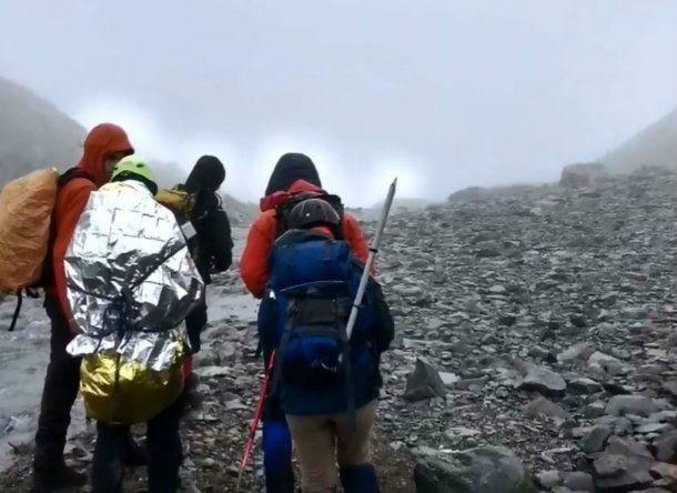 Los turistas fueron rescatados de una grieta en el Glaciar Vicinguerra