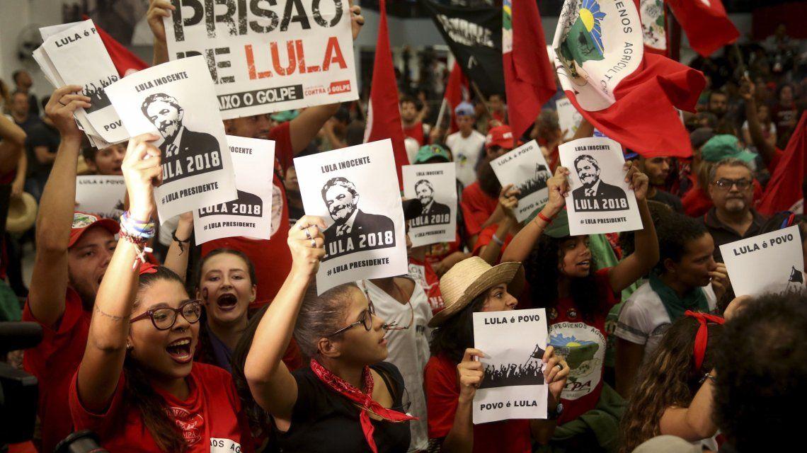 Partidarios de Lula se movilizaron por su candidatura