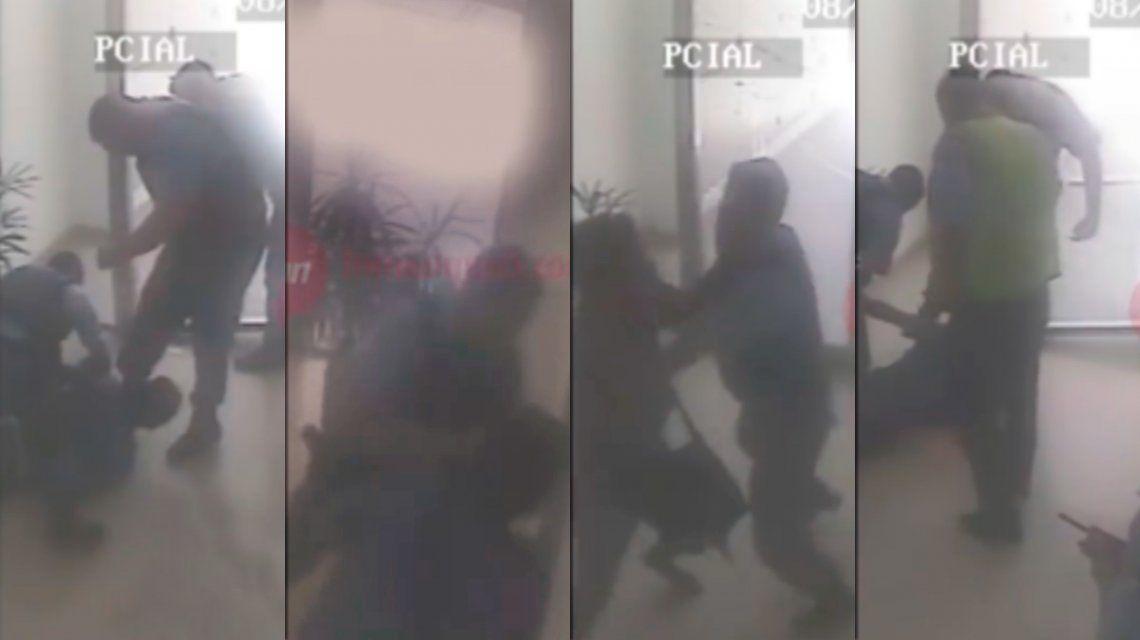 ASí fue la brutal golpiza policial contra un joven de 22 años que quedó en estado crítico