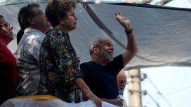 Lula participa de una misa en homenaje a su esposa