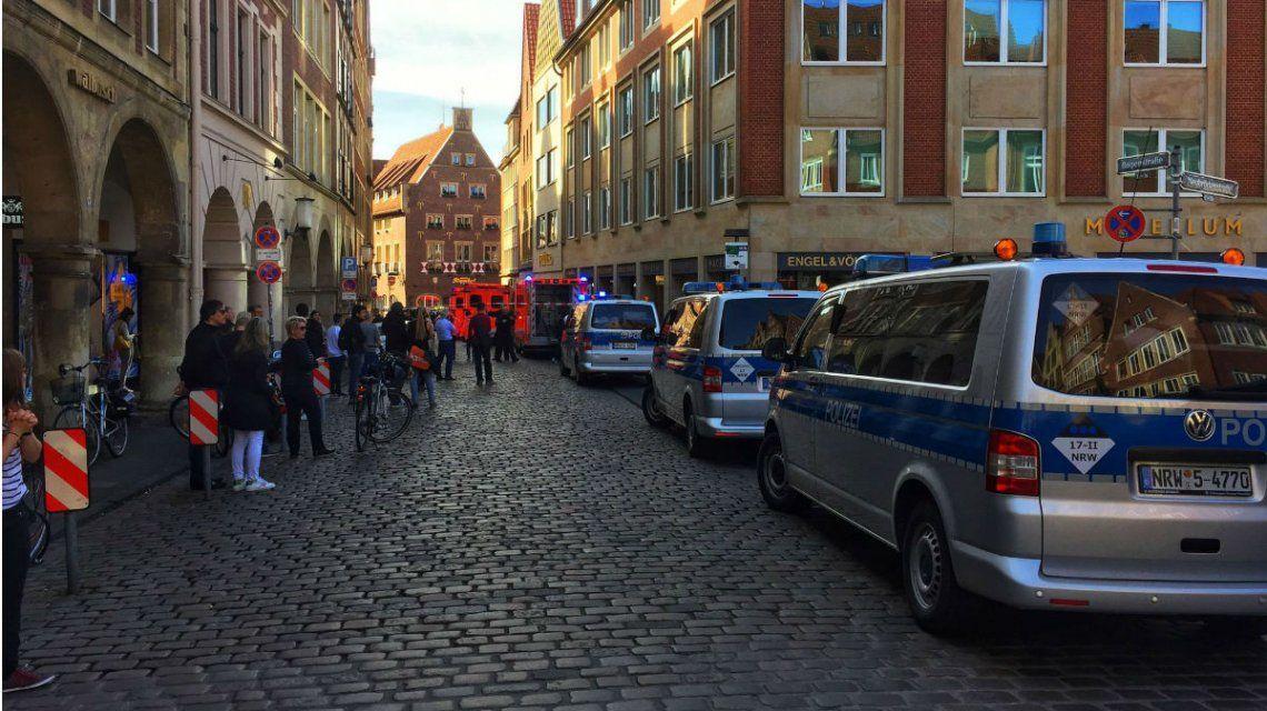 Hay al menos tres personas muertas y varios heridos