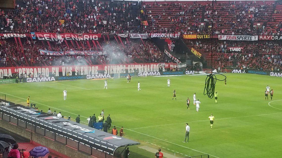 El partido entre Colón y Vélez fue suspendido a los 22 minutos del primer tiempo (@marianomaceiras)
