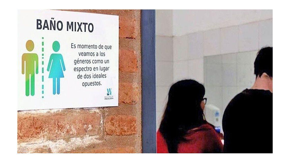 Ésta es la primera escuela con baños mixtos de la Provincia