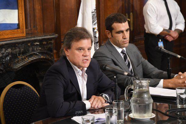 Enrique Sacco y el abogado Diego Pirotta.