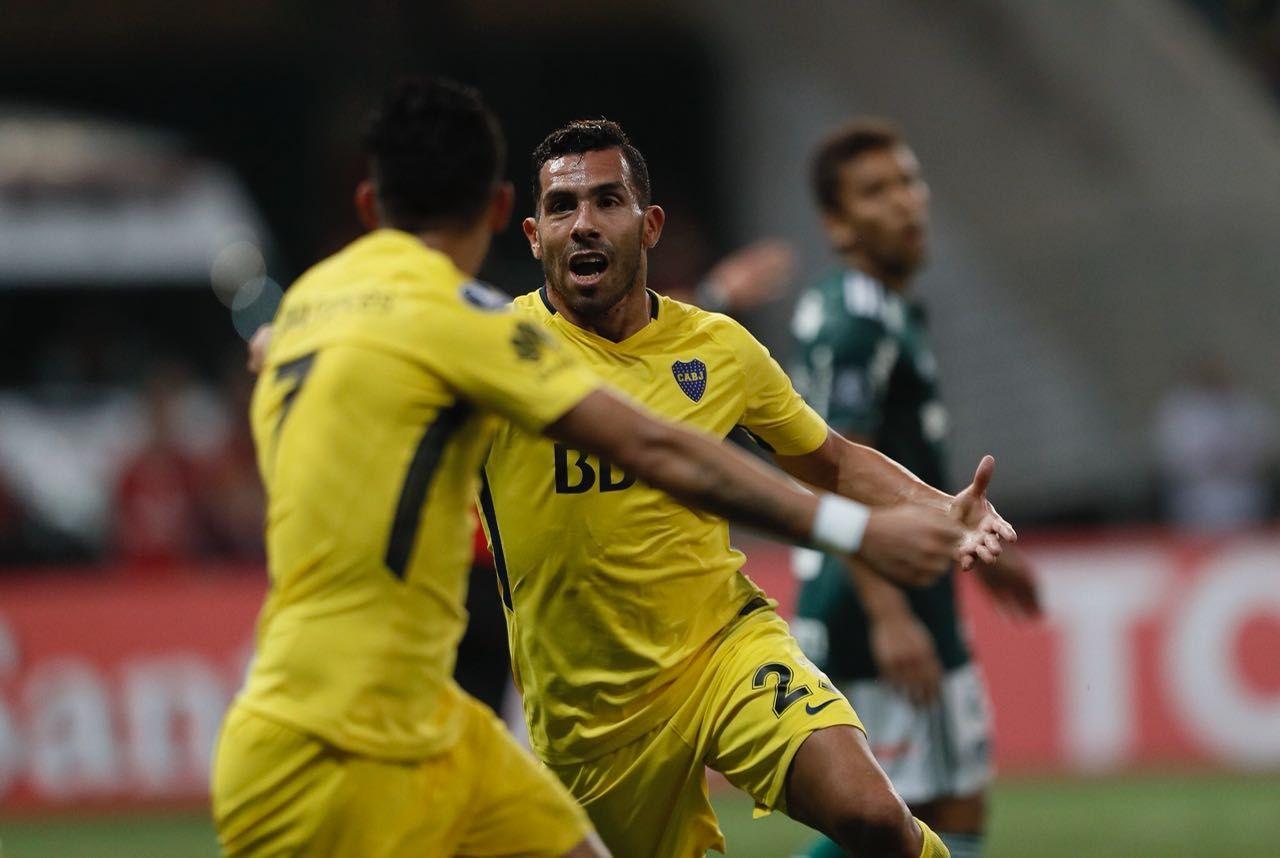 Tevez entró y marcó el gol del empate sobre el final del partido