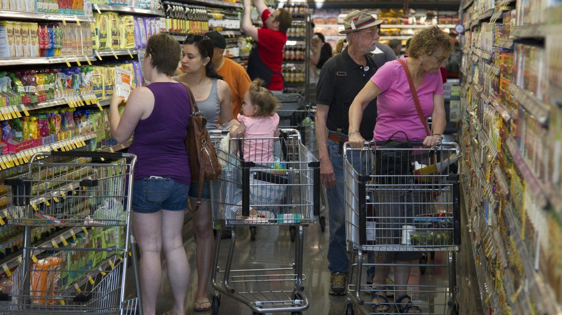 En plena suba del dólar, el Gobierno actualiza Precios Cuidados con un aumento del 2,34%