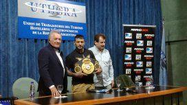Con un campeón mundial al lado, Barrionuevo hizo su primera promesa como líder del PJ