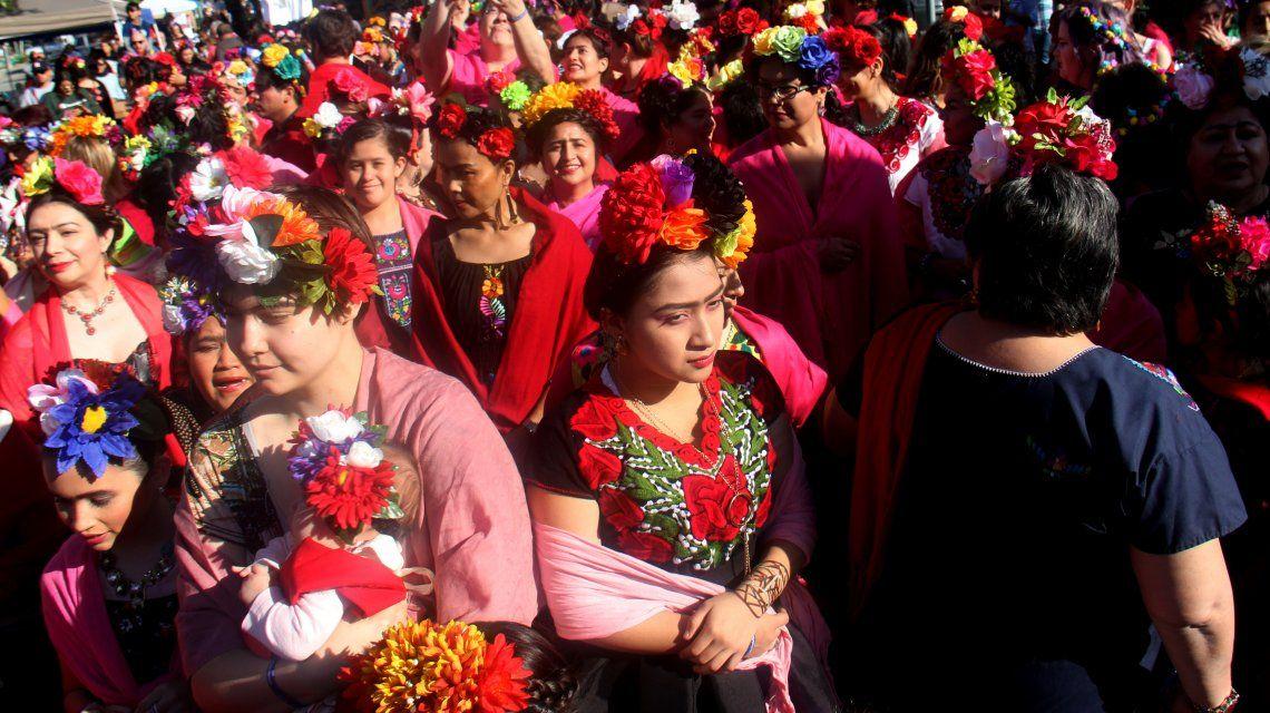 ¡Viva Frida!: Buscan el primer récord mundial de personas vestidas como la pintora