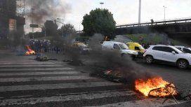Colectiveros levantaron el corte en avenida General Paz por el asesinato del chofer