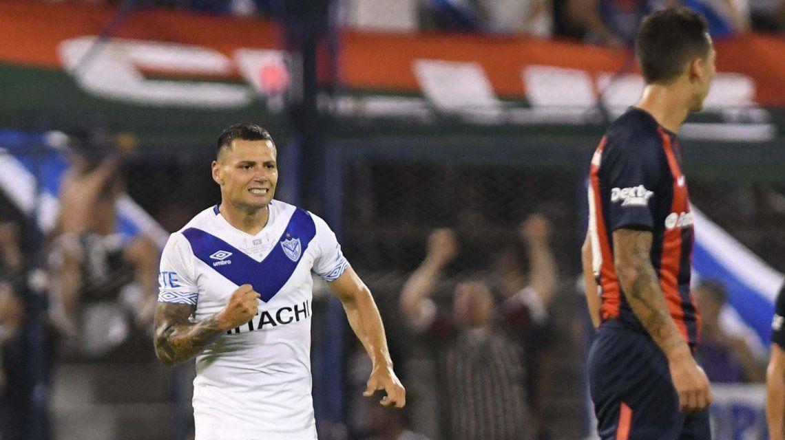 Vélez empató con San Lorenzo y con el punto se salvó del descenso