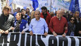 Sergio Palazzo encabezando la marcha de los trabajadores bancarios