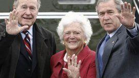 Bárbara Bush, junto a su esposo y su hijos, dos ex presidentes de Estados Unidos