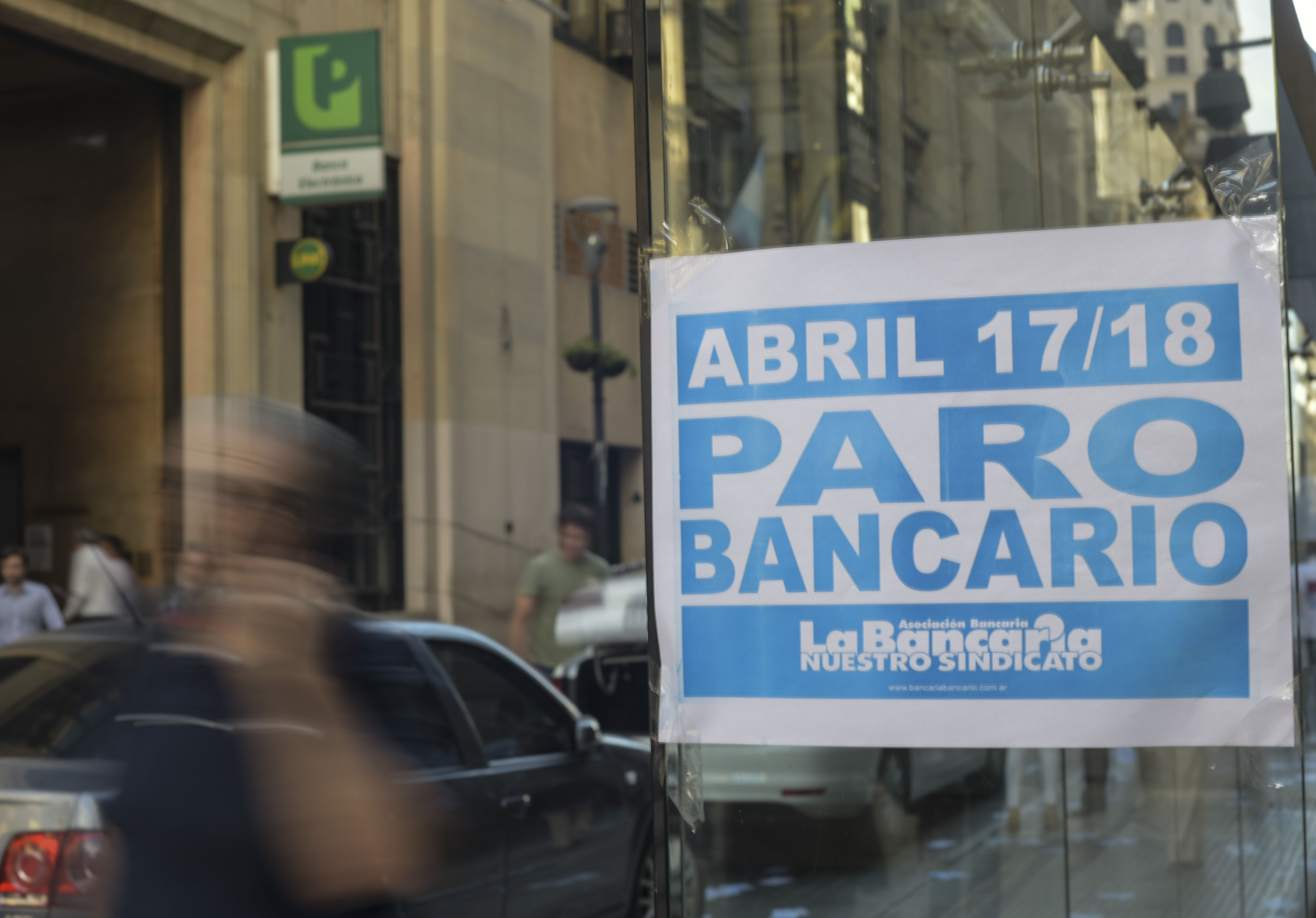 El microcentro estaba casi paralizado por el paro bancario