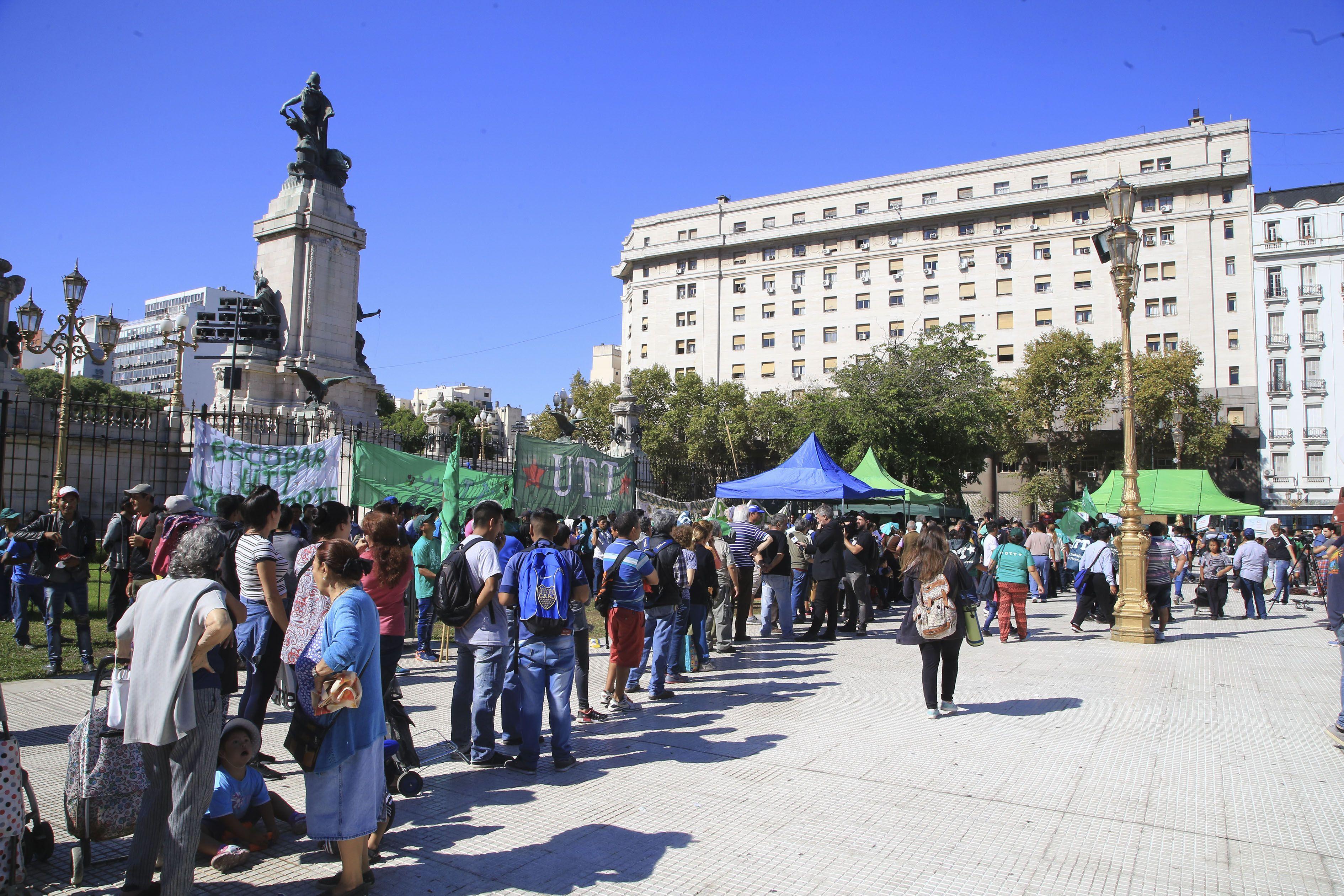 Este jueves se entregarán otros 10 mil kilos de verdura en Plaza Congreso