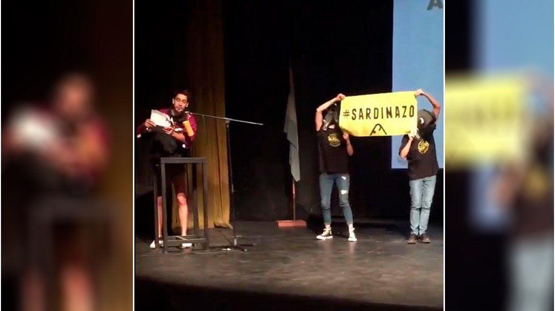 VIDEO: Insólito reclamo a puro rap en medio de la audiencia por el tarifazo en el subte