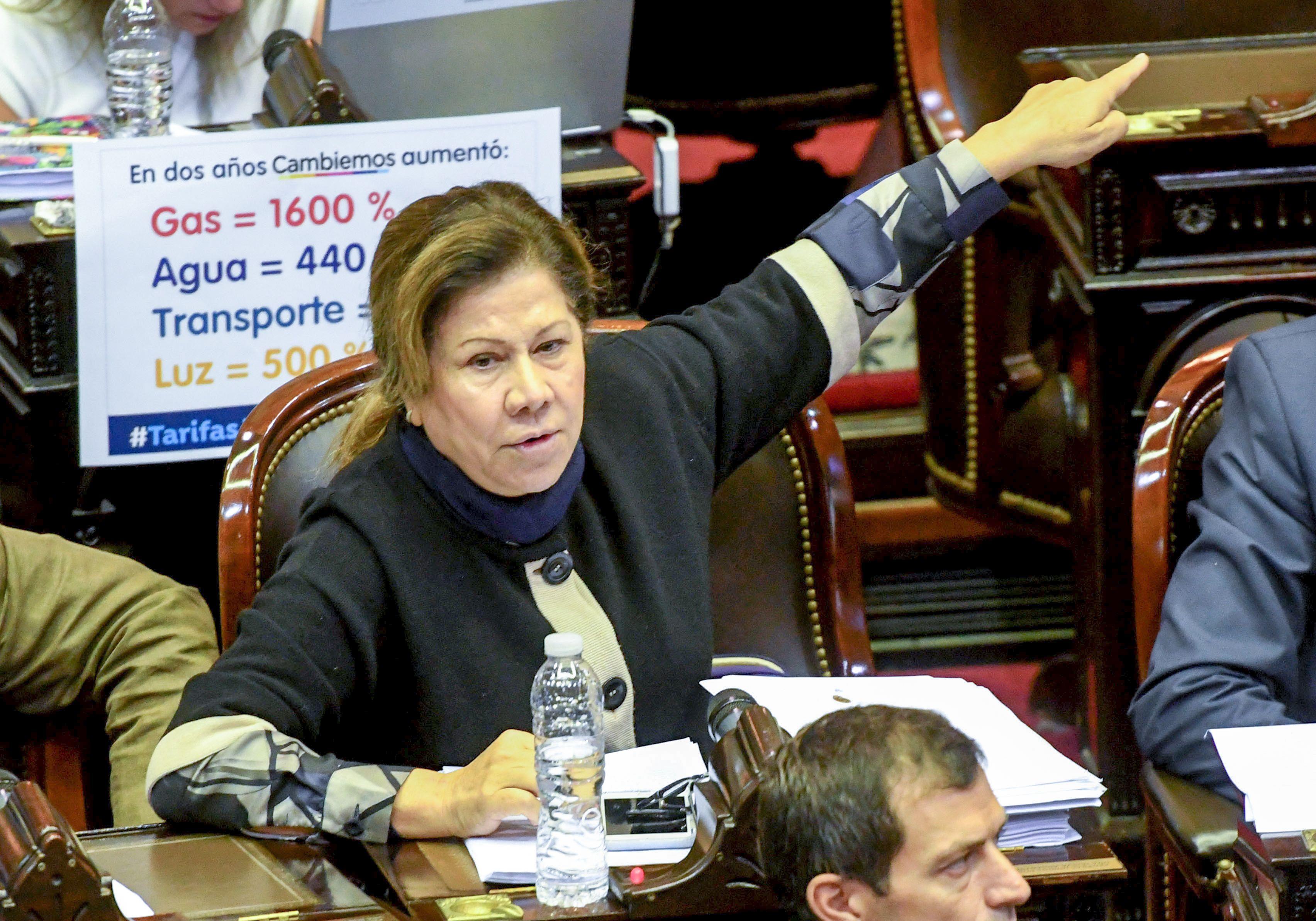La oposición criticó el tarifazo en cuotas y advirtió que agrava la situación