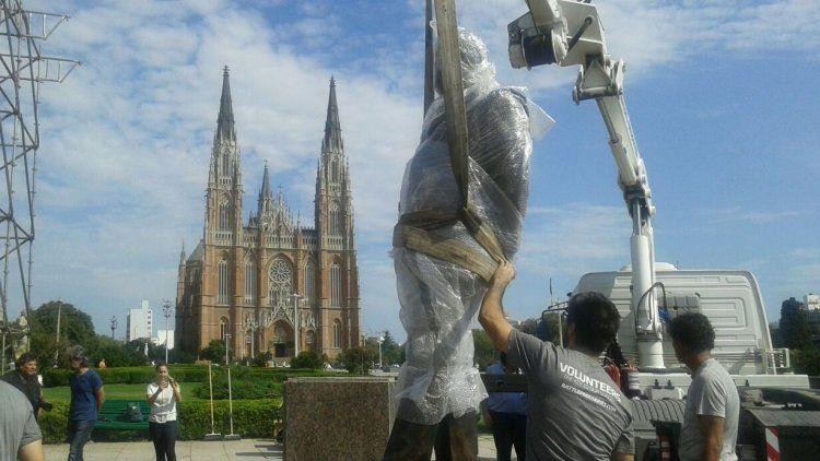 Monumento a Raúl Alfonsín