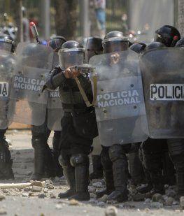 Ortega mandó a la Policía y las tubas a atacar a los manifestantes, que son en su mayoría estudiantes universitarios
