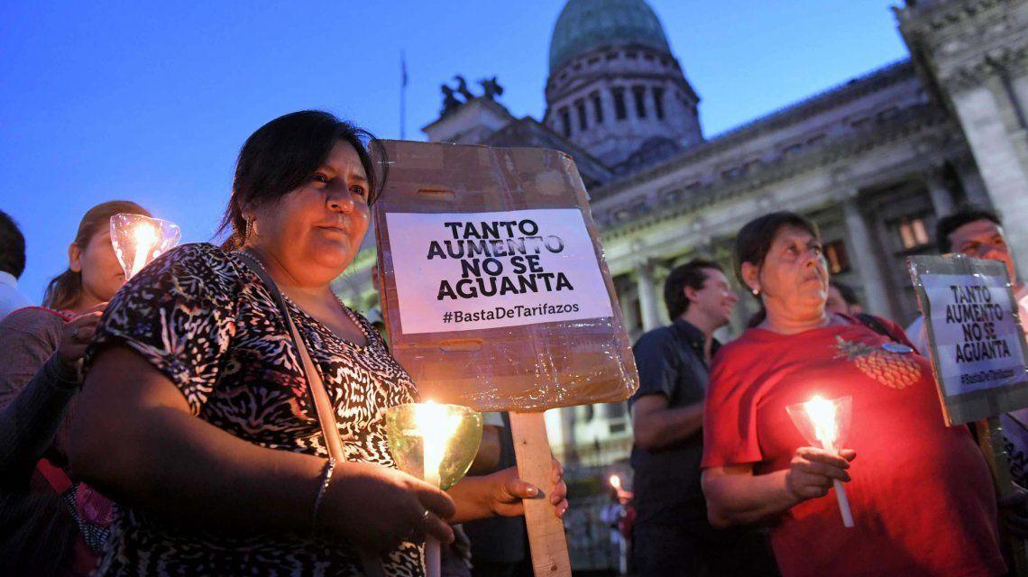 Marcha de velas en contra de la suba de tarifas de los servicios públicos