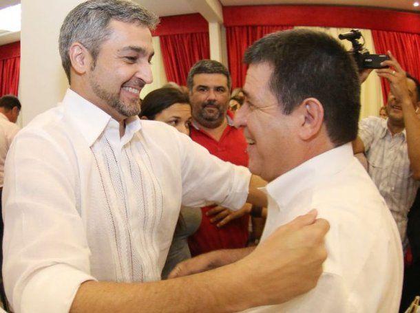 Mario Abdo Benítez, presidente electo de Paraguay, y Horacio Cartes, actual mandatario<br>
