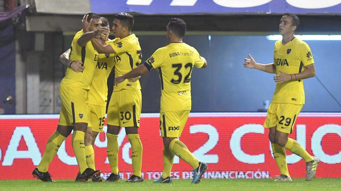Boca festeja su triunfo ante Newells que lo deja en las puertas del título