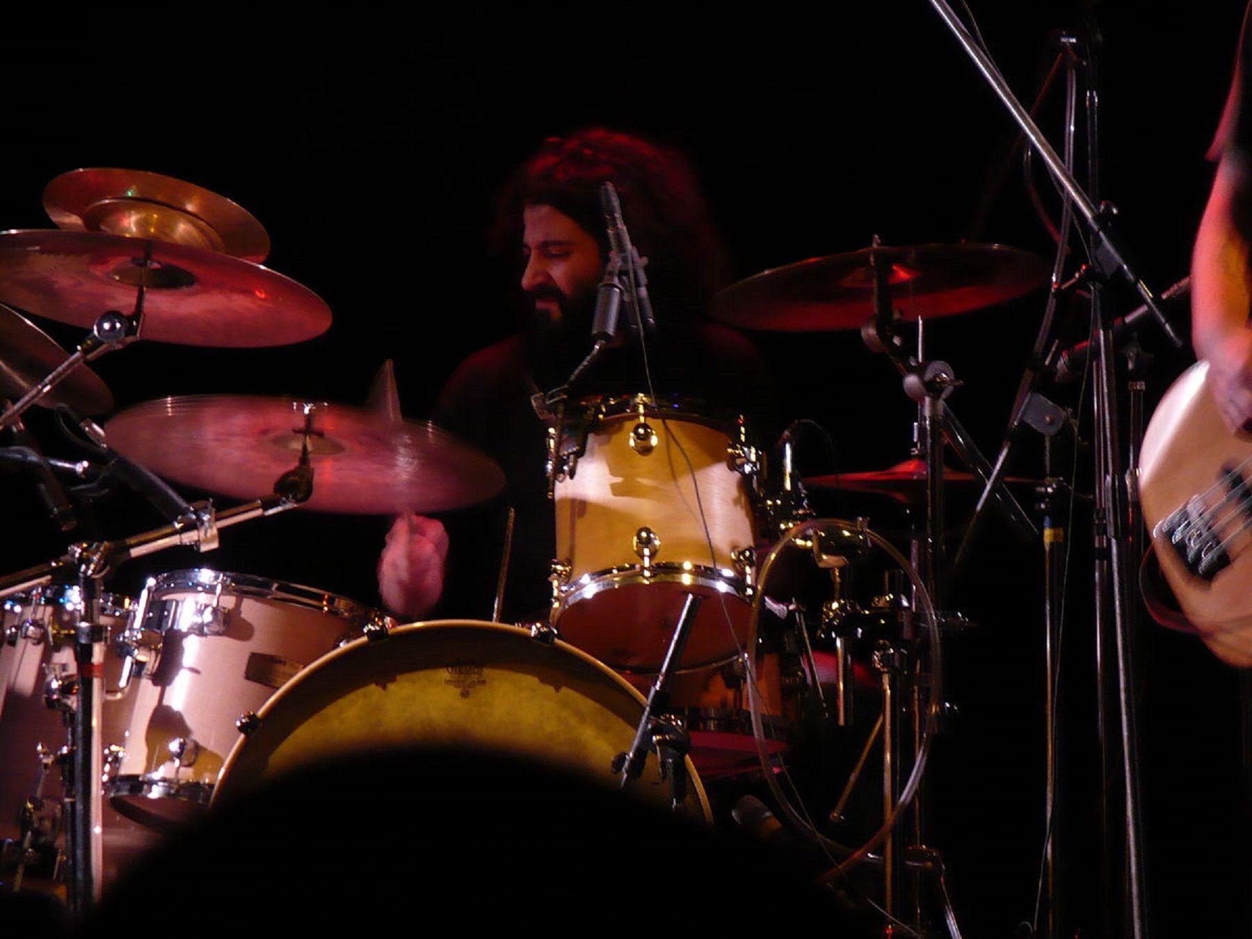Denuncian al baterista de Pez por acoso y abuso sexual