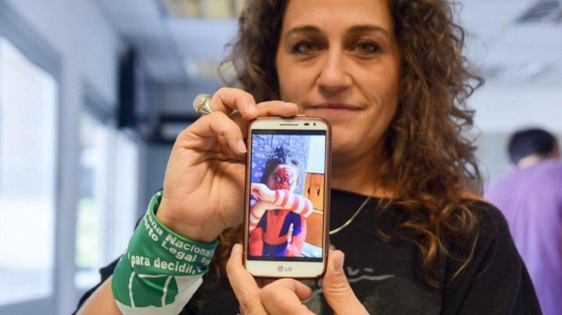 Julián es un nene trans de Cipolletti que espera su DNI - Crédito: Agustín Martínez lmnequen