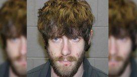 Williams, de 29 años, está prófugo y es buscado por varias docenas de oficiales
