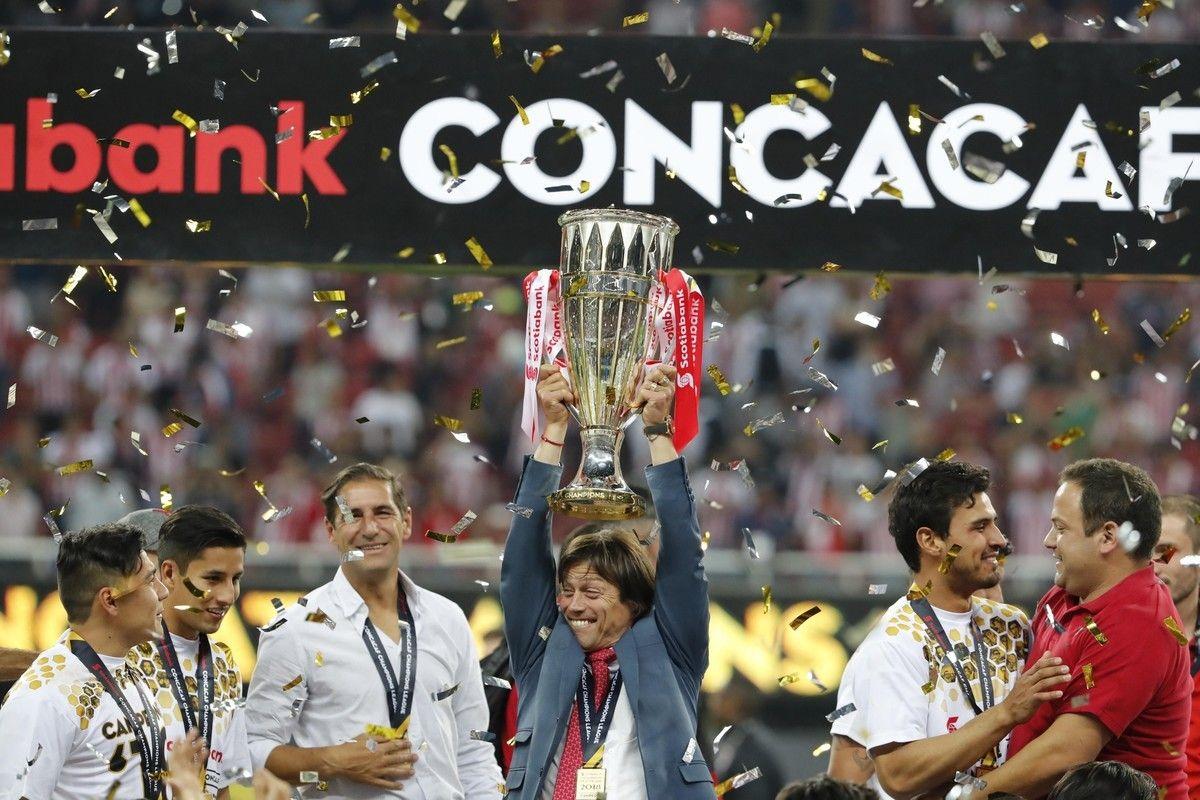 Almeyda celebrando la Concachampions