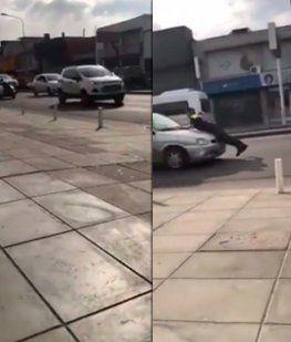 VIDEO: Quiso evitar un control de tránsito y arrastró a un agente varios metros