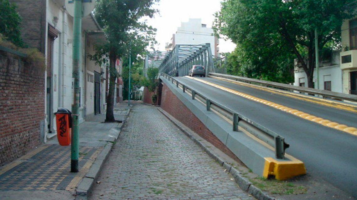 Colegiales: una nena de 13 años fue abusada en el puente Jorge Newbery cuando volvía de un local de comidas rápidas