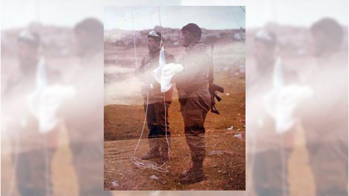 Murió el hombre que izó la bandera argentina en Malvinas tras el desembarco en 1982