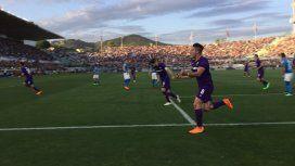 Giovanni Simeone en Fiorentina vs Napoli - Crédito: Twitter acffiorentina
