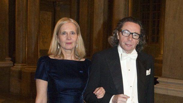 El fotógrafo Jean Claude Arnault y su esposa
