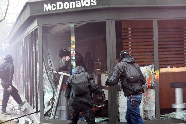 Cerca de 200 detenidos tras la manifestación por el 1° de Mayo en Francia