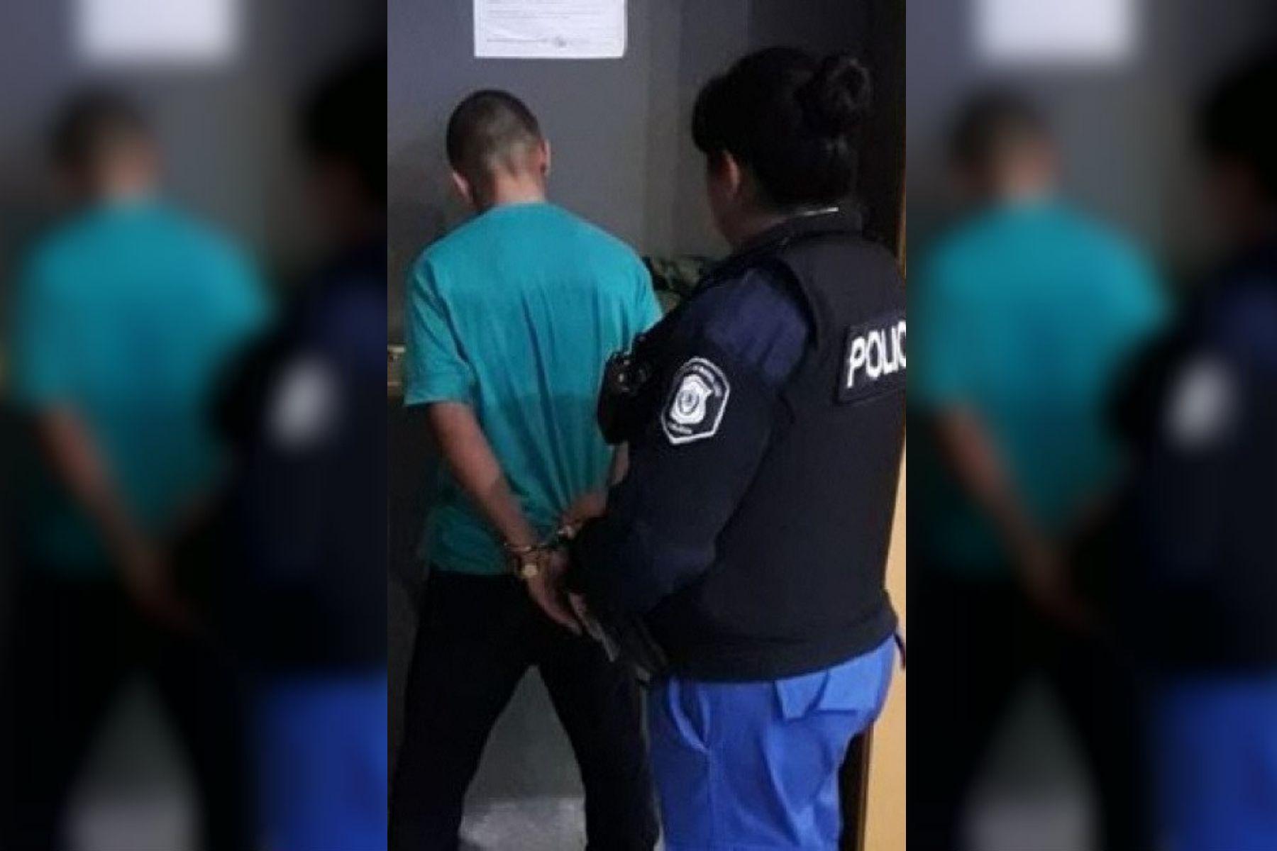 Un violador fue sorprendido in fraganti cuando intentaba abusar de una mujer en un cajero automático