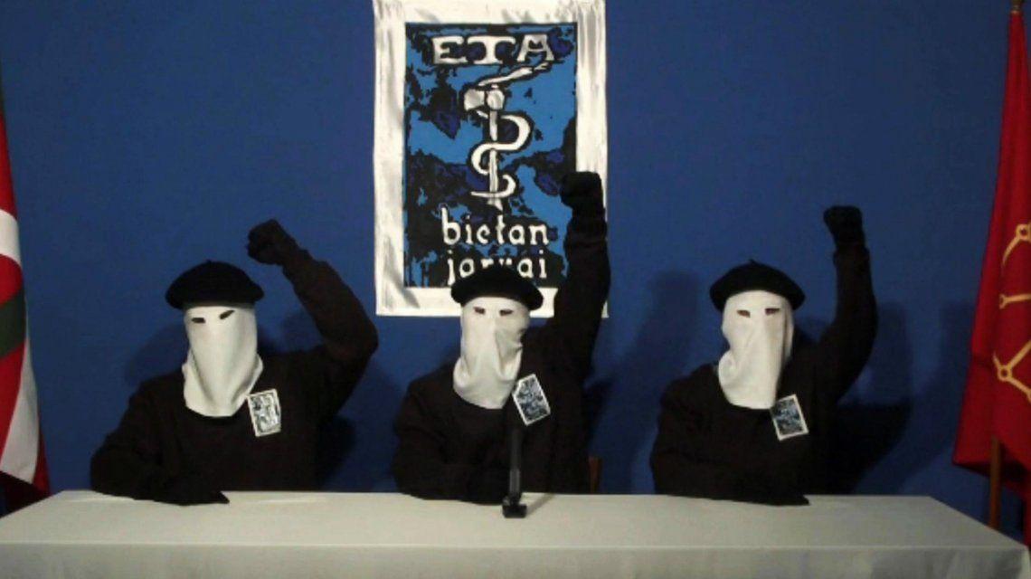 ETA anunció su disolución completa
