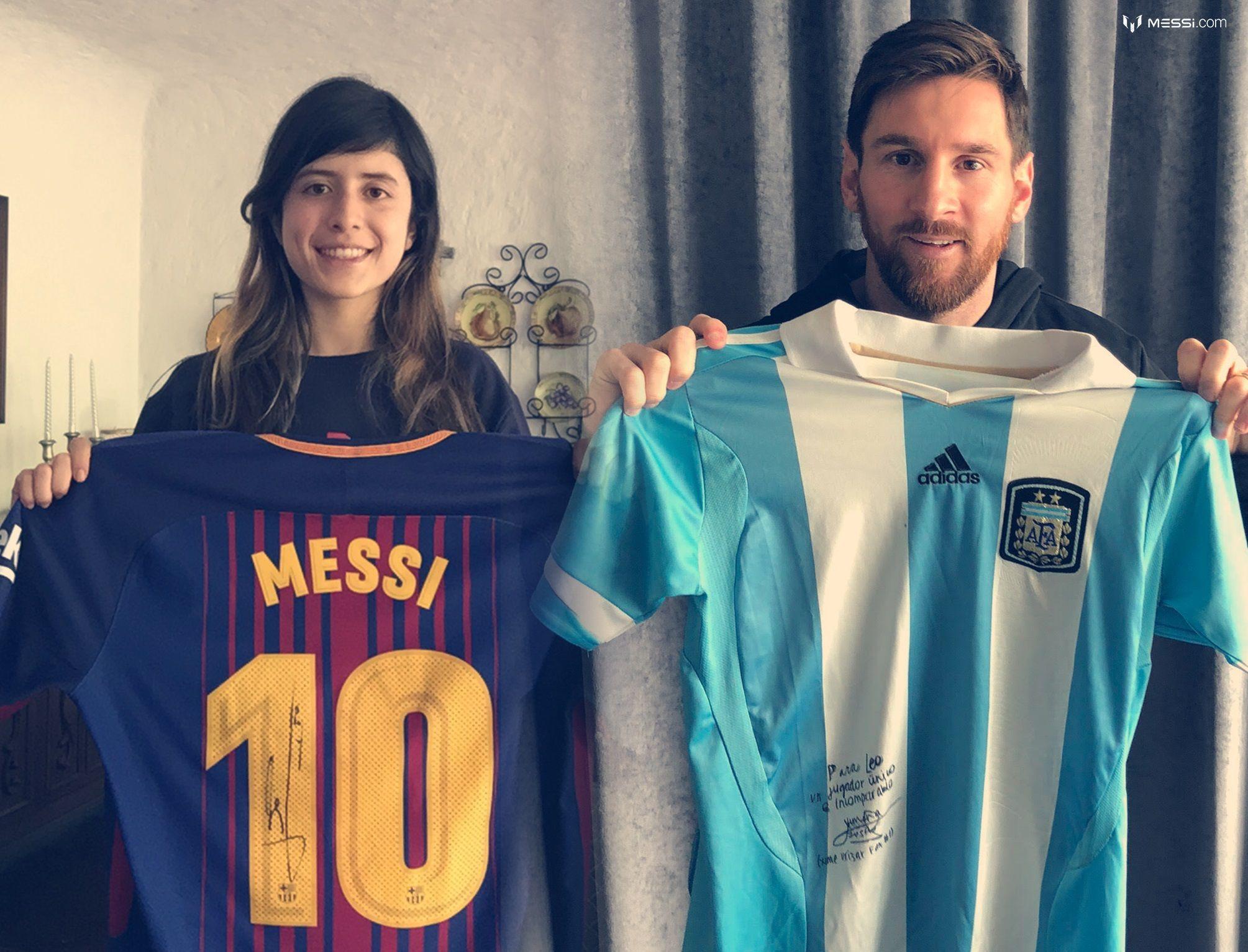 Messi cumplió el sueño de una de sus fans: le regaló la camiseta con la que jugó el último clásico