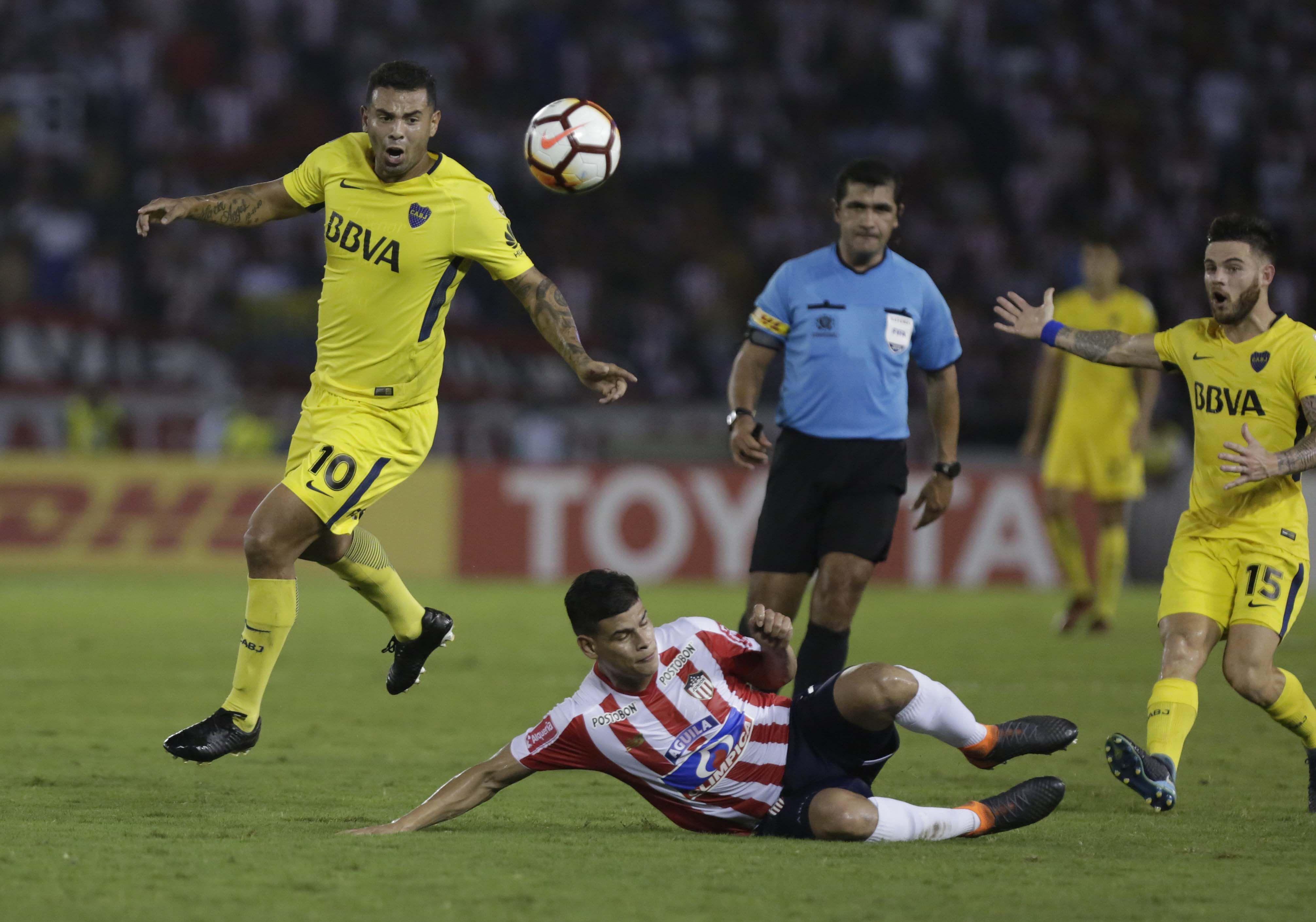 ¿Boca apretó al árbitro? Dura denuncia de Julio Comesaña, entrenador de Junior