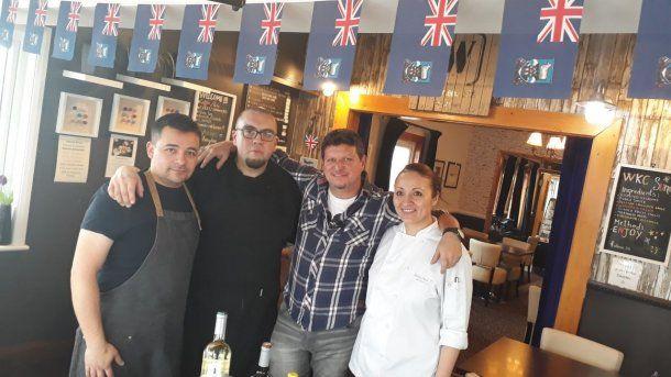 <p>Pablo Barrio, en un restaurante kelper</p>