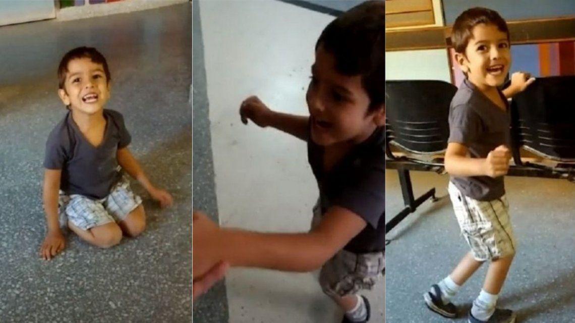 Caminó por primera vez a los cinco años
