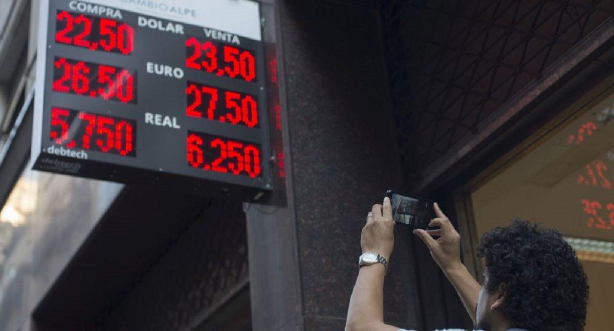 Piden investigar a quienes compraron dólar futuro en los últimos días