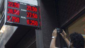 Economistas aseguran que la disparada del dólar es porque el Gobierno perdió la credibilidad