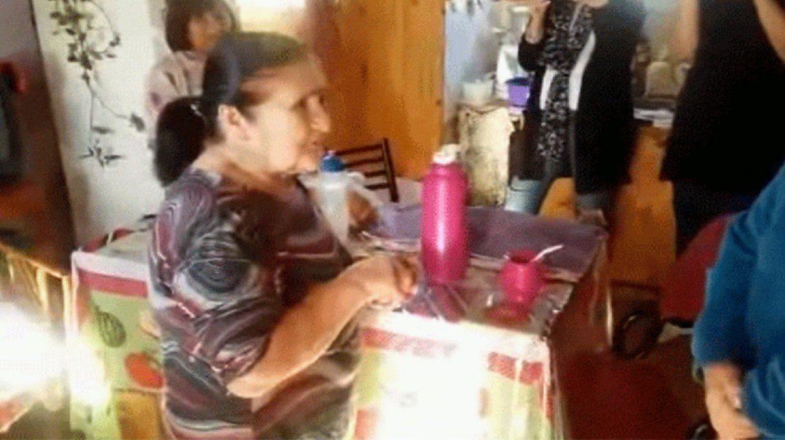 Elsita tiene 81 años y por fin le dieron su primer documento argentino