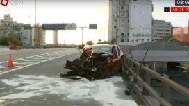 Subió a la autopista en contramano y provocó tremendo choque: un herido grave