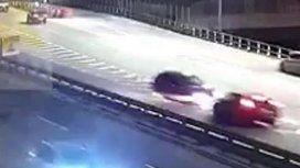 Espeluznante: así fue el choque del auto que se subió en contramano a la 25 de Mayo