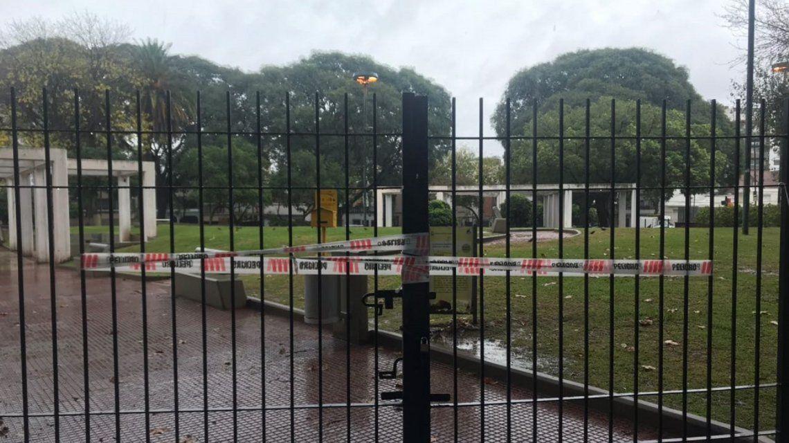 La Plaza San Miguel de Garicoits fue cerrada mientras se investiga la sustancia toxica hallada.