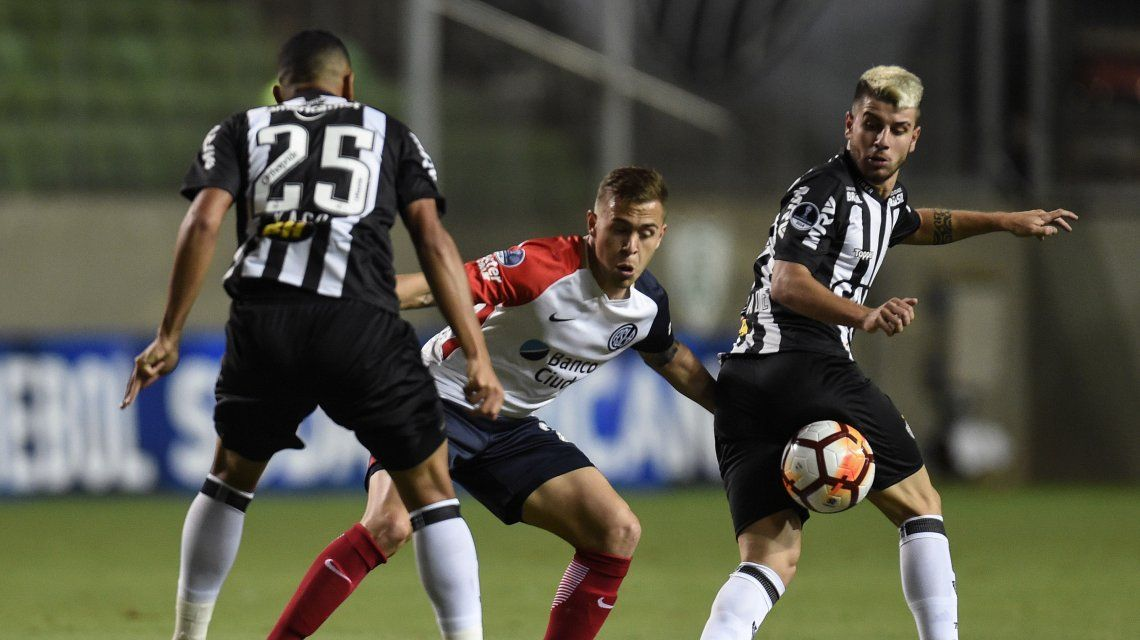 San Lorenzo logró el empate en Brasil y avanza